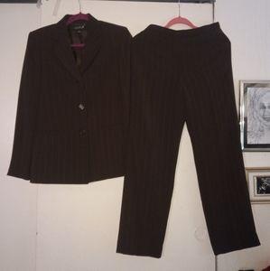 Lady pant suit